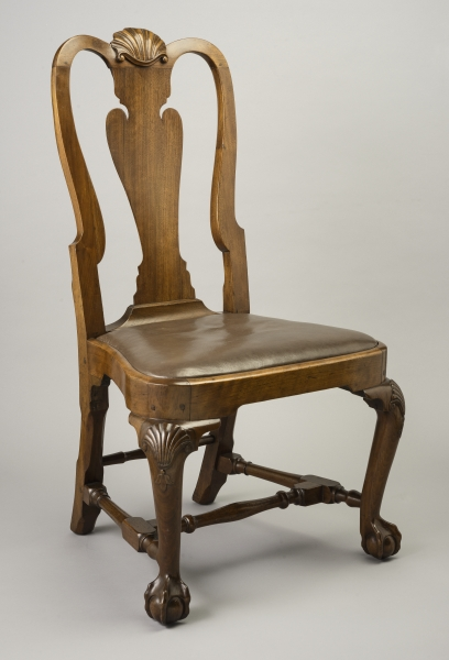 Side chair, Boston, 1740–65. Black walnut, soft maple; h 39, w 21⅜, d 20.  Winterthur Museum; Bequest of Henry Francis du Pont (1960.0719.001). - Boston And Its Furnituremakers, 1650–1860 - Colonial Society Of